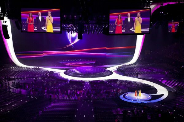 https://screen4event.com/wp-content/uploads/2017/05/Eurovision_2011_stage-600x400.jpg